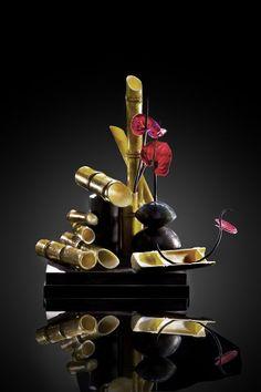 Paco Torreblanca , beautiful!! Chocolate World, Chocolate Art, Chocolate Desserts, Pretty Cakes, Beautiful Cakes, Amazing Cakes, Chocolate Centerpieces, Dessert Design, Praline Chocolate