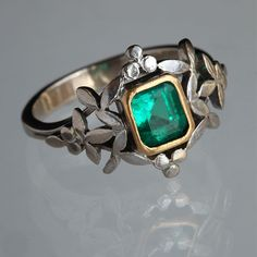 BELLE EPOQUE Naturalistic Ring  Silver Gold Emerald H: 1.3 cm (0.51 in)  Ring Size:  |UK:L|  |US:5.75|  |EU:51.2|  |Asia:11| French, c.1900
