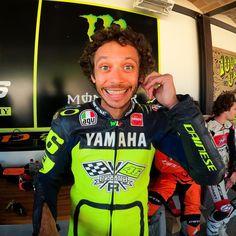 Yamaha, Motorcycle Jacket, Athletic, Valentino Rossi, Jackets, Fashion, Down Jackets, Moda, Athlete