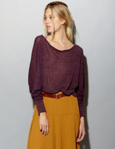 Sometimes slouchy just looks so comfy :)  The rich colors really spiff up an otherwise drab outfit, though.