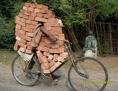Ziegeltransport Level: African - Win Bild #solebike #Athens e-bike tours #sightseeing