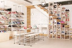 Coralina women footwear, Medellín – Colombia store design