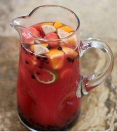 Hmmm... bebida de melancia para deixar seu #Carnaval mais doce!