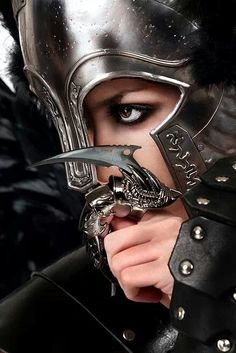 Sometimes i wish i was a medieval warrior..... Be so much danger and fright and fun :P