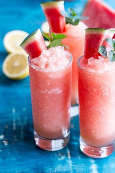 Mix up these Pink Watermelon Lemonade Slushies and your weekend will go from good to great. So refreshingly delicious. Refreshing Drinks, Summer Drinks, Fun Drinks, Healthy Drinks, Healthy Recipes, Beverages, Alcoholic Drinks, Slushies, Slurpee