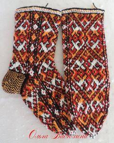 Картинка Fair Isle Knitting, Knitting Socks, Knit Socks, Fingerless Gloves, Arm Warmers, Mittens, Slippers, Sewing, Boots