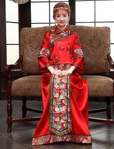 Chineses traditional wedding clothes