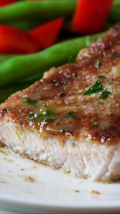 This Garlic Parmesan Pork Chop Recipe is super quick and easy dinner recipe to make with a crispy Parmesan crust on the outside. This Garlic Parmesan Pork Chop Recipe is super quick and easy to make with a crispy Parmesan crust on the outside. Parmesan Pork Chops, Garlic Parmesan, Parmesan Crusted Tilapia, Parmesan Roasted Potatoes, Parmesan Recipes, Roasted Garlic, Easy Dinner Recipes, Easy Meals, Easy Pork Chop Recipes