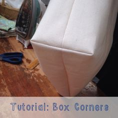 Box corners are a quick & easy technique to make your tote bags, pillows, and cushions fuller and roomier with a structured look. Totes with box corners are great for carrying groceries or books from the library. Box cornered cushions make comfy additions Sewing Box, Free Sewing, Sewing Patterns Free, Dress Patterns, Bag Patterns, Clothes Patterns, Sewing Hacks, Sewing Tutorials, Sewing Crafts