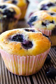 Easy Blueberry Muffins   giverecipe.com   #muffins #blueberry #blueberries #dessert #baking