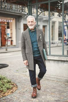 Masters Men With Grey Hair, Worlds Of Fun, Male Models, Handsome, Hipster, Mens Fashion, Masters, Baby, Topcoat