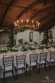 Intimate wedding in the country Tuscan hills Production #guidilenci PH: http://marinkovic-weddings.com/