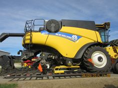 New Holland CR690 combine headed to Rochester