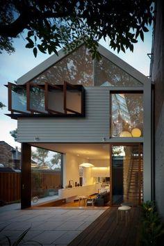 Casas pequeñas con sus planos, terrenos cortos, o muy largos pero con poco frente