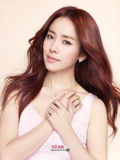 한지민 / 제이에스티나 Korean Actresses, Korean Actors, Korean Beauty, Asian Beauty, Han Ji Min, Ulzzang Girl, Beautiful People, Hair Makeup, Mosquitos