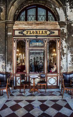 caffè #Florian #Venezia San Marco - Florian #cafè in #Venice Saint Mark. Places to travel before you die.