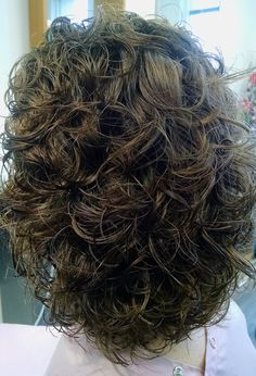 Beautiful, natural looking bodywave/perm done with Olaplex today! Hair by: Denise Zingale Travis ~ www.dmazsalon.com Permed Hairstyles, Modern Hairstyles, Professional Hairstyles, Types Of Perms, Body Wave Perm, Different Types Of Curls, Really Long Hair, Air Dry Hair, Brittle Hair