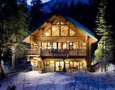 Love this beautiful log cabin!