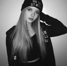 Giovanna Chaves❤ Photo Poses, Foto E Video, Riding Helmets, Hats, Photography, Beautiful, Black, Women, Vsco
