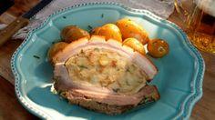 Nadívaný bůček a pažitkové brambory No Salt Recipes, Pork, Menu, Pork Roulade, Menu Board Design, Pigs, Menu Cards