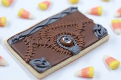 Hocus Pocus Spell Book Cookies Jen Chae joins Rosanna Pansino on Nerdy Nummies to make these magic spell book cookies from the movie Hocus Pocus! Each cookie is decorated with. Halloween Cookies Decorated, Halloween Sugar Cookies, Halloween Desserts, Decorated Cookies, Halloween Party, Halloween Table, Halloween Signs, Halloween Stuff, Halloween Halloween