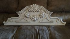 Wall Art Mantle Resin Shabby Chic Architectural Pediment House Works Della Robia…