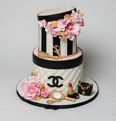 I made this Chanel themed cake for my friend amazing Chanel Birthday Cake, Sweet 16 Birthday Cake, Adult Birthday Cakes, Beautiful Birthday Cakes, Birthday Cakes For Women, 18th Birthday Party, Beautiful Cakes, Amazing Cakes, Bolo Chanel