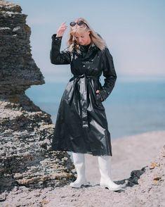 Pvc Raincoat, Long Raincoat, Pvc Coat, Rain Gear, Bronze, Fashion Boots, Coats For Women, Winter Jackets, Rain Jackets