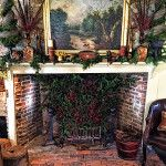 Christmas in Connecticut -- Quintessence || Lisa Hilderbrand's library fireplace and mantel decorated for Christmas, New Canaan Holiday House Tour 2015 || #antiquehouse