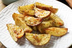 - Fırın yemekleri - Las recetas más prácticas y fáciles Baked Potato Oven, Oven Baked, Baked Potatoes, Diet Recipes, Vegan Recipes, Potato Recipes, Meal Prep, French Toast, Veggies
