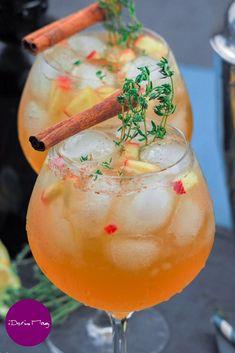 Cocktails Vegan, Disney Cocktails, Cider Cocktails, Summer Cocktails, Cocktail Drinks, Cocktail Recipes, Alcoholic Drinks, Fancy Drinks, Winter Drinks