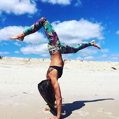 Beach playtime in Spiritgirl's Tropical Bliss Leggings.  www.spiritgirl.co.za