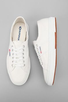 superga classics..live in my navy,need white!