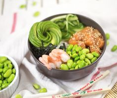 See related links to what you are looking for. Poke Bol, Clean Eating Recipes, Cooking Recipes, Cooking Ideas, Sushi Bowl, Healthy Snacks, Healthy Recipes, Good Food, Yummy Food