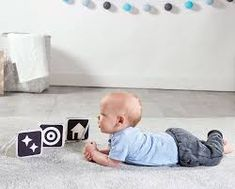 Offering your baby the best kind of visual stimulation you can at the newborn stage to encourage sight and cognitive development. Baby Vision, Young Baby, Visual Development, Tummy Time, Baby Grows, Baby Month By Month, Baby Love, Infant, Kids Rugs