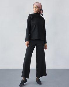 70135e6b1466 Hana Tajima Fall/Winter 2018 Collection   UNIQLO US Modest Wear, Hijab  Outfit,