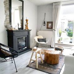 - WEDNESDAY - @ HOME.... Almost weekend right?! Sun is shining already and the kids have a day off from school, nice day everyone!! #myhome#livingroom#vintage#brickwall#fireplace#black#instahome#inredning#interior#interiør#interiørmagasinet#ssevjen#scandinavian#nordichome#eclectic#mystyle#homestyling#styledbyhouseproud#inspired#ilovemyinterior#binnenkijken#wednesday#homes#mijnstek#interiordesign#homedecor#interior4all#interiorwarrior#urban#interiorrabbit