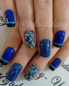 Unhas Decoradas com Flores Acrylic Nail Art, Glitter Nail Art, Celebrity Nails, Flower Nails, Blue Design, Cool Nail Art, Girly Things, Nail Art Designs, Polish