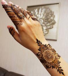 Mehndi Fingers, Mehndi Designs For Fingers, Fingers Design, Henna Mehndi, Hand Henna, Henna Art, Mehendi, Finger Henna, Stylish Mehndi Designs