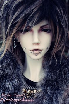 bella's dolls (and things) - madmanseike: SEIKE, the doll. So this is...