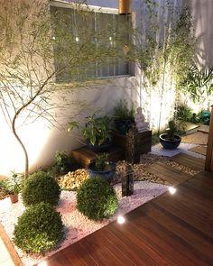 Atrium Garden, Garden Pavers, Backyard Garden Design, Garden Pool, Outdoor Planters, Diy Planters, Outdoor Gardens, Small Front Yard Landscaping, Backyard Landscaping