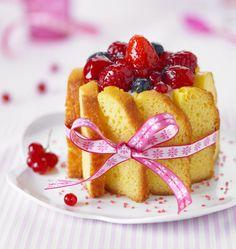 Charlotte de Quatre-Quarts aux Fruits Rouges - Recettes de cuisine Ôdélices