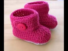 Como Bordar Escarpines (Patines - Patucos) para Bebé - Hogar Tv por Juan Gonzalo Angel - YouTube Crochet Baby Sandals, Crochet Boots, Crochet Baby Clothes, Crochet Slippers, Baby Boots, Baby Girl Shoes, Baby Knitting Patterns, Knitting Designs, Baby Shoes For Sale
