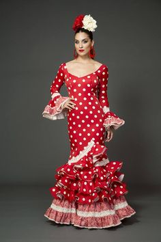 Modelo Amaia de la coleccion Tamara Flamenco Dance 2015 https://www.tamaraflamenco.com/es/amaia/trajes-de-flamenca-2015-mujer-833#.Vdbz5vntlBc