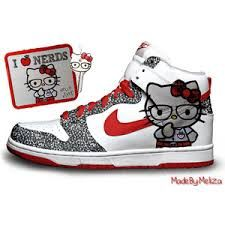 Cute Anime Character Nike SB Dunk Hello Kitty Pro Shoes Two Packs Hello kitty  nike dunks these are two versions . The nike hell.