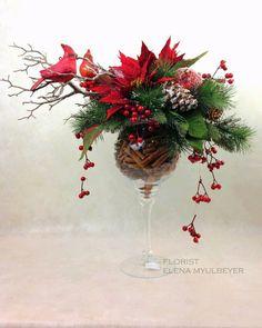 más y más manualidades: Hermosos centros de mesa navideños usando copas de cristal