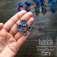 Купить Небольшие серьги с цветами из полимерной глины - синий, серьги, серьги ручной работы, сережки