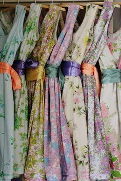 Ces robes sont faites a partir de draps de lits vintage. J'adore l'idée, c'est…