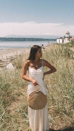 Beige Aesthetic, Summer Aesthetic, Look Fashion, Fashion Outfits, Paris Chic, Mode Chic, Silk Midi Dress, Look Vintage, Spring Outfits