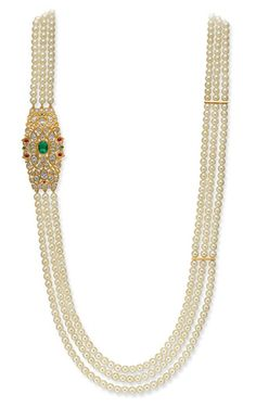 Pearl, ruby, emerald and uncut diamond studded necklace Emerald Jewelry, Pearl Jewelry, Indian Jewelry, Antique Jewelry, Gold Jewelry, Gold Jewellery Design, Bead Jewellery, Beaded Jewelry, Jewelry Patterns